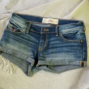 Hollister jean shorts size 00
